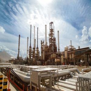 صنعت نفت و گاز لاوان